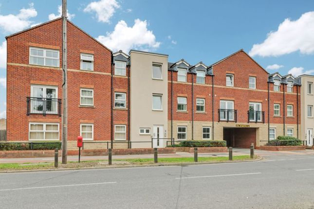 2 bed flat to rent in Priory Road, Hull HU5