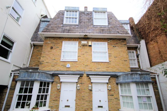 Thumbnail Town house to rent in Wood Close, Shoreditch