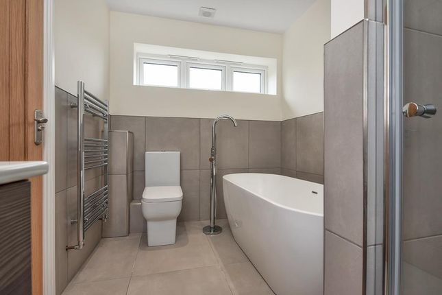 Family Bathroom of Quarndon Heights, Allestree, Derby DE22