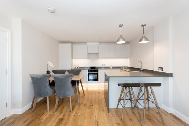Thumbnail Flat for sale in Ewell Road, Kingston Upon Thames