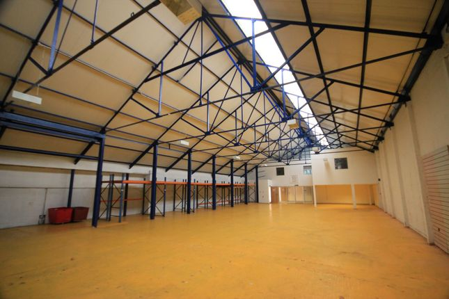 Thumbnail Warehouse to let in Cinder Hill, Horsted Keynes