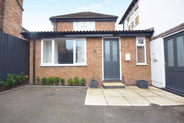 Thumbnail Maisonette for sale in Alcester Road, Stratford-Upon-Avon