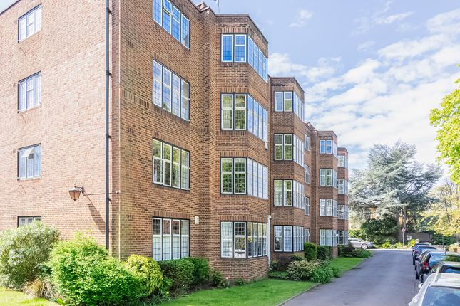 Thumbnail Flat to rent in Portsmouth Road, Putney Heath, Putney, London