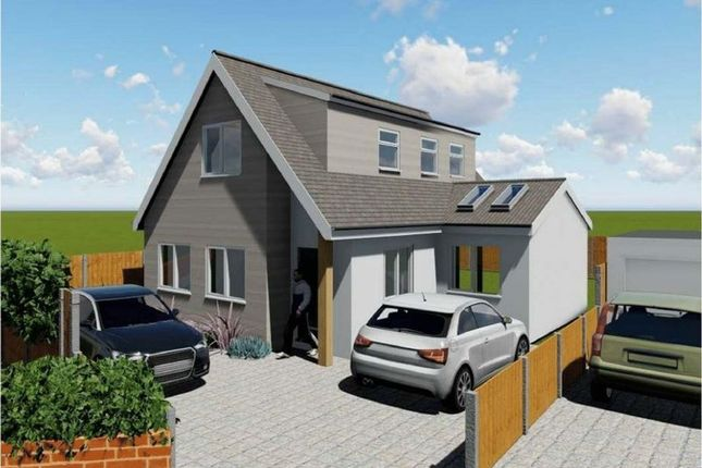 Detached house for sale in Moreland Avenue, Benfleet