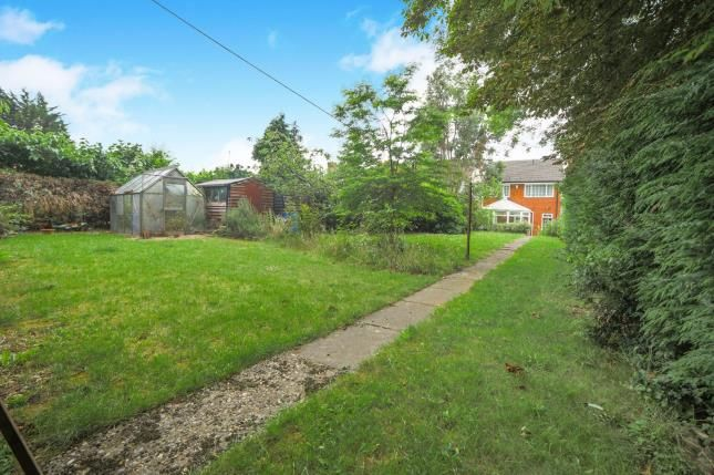 Thumbnail Detached house for sale in Compton Avenue, Luton, Bedfordshire, United Kingdom