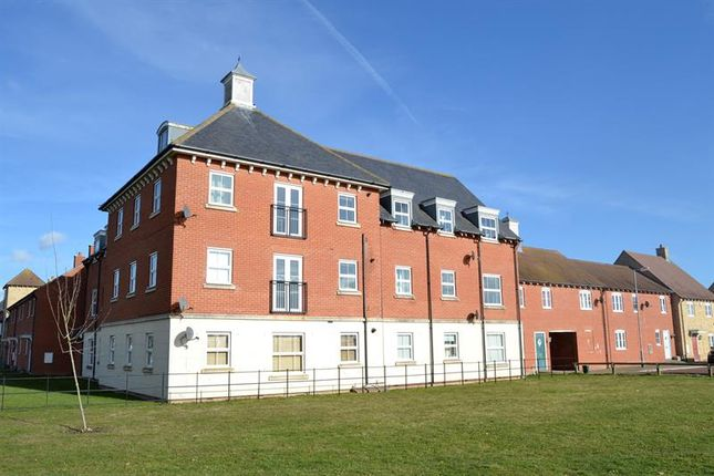 Thumbnail Flat for sale in Valentinus Crescent, Colchester