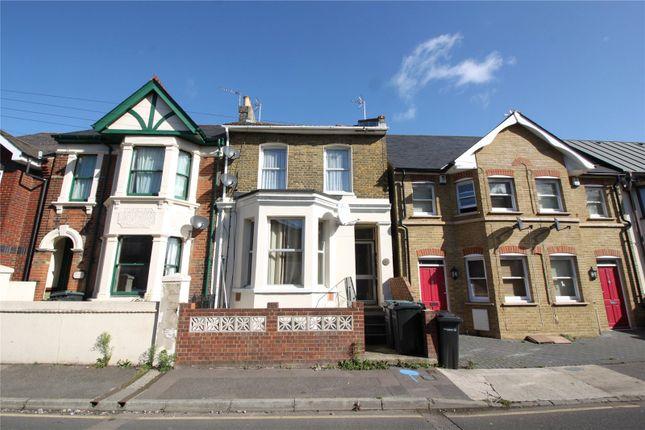 Thumbnail Flat to rent in Darnley Street, Gravesend, Kent