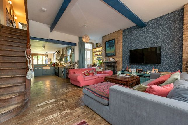 Thumbnail 4 bed terraced house to rent in Clifford Gardens, London