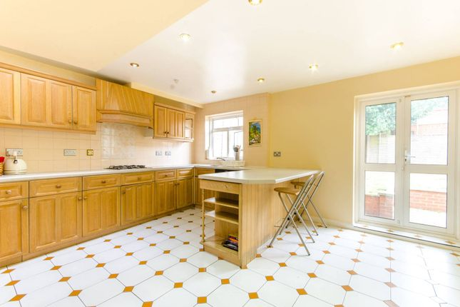 Thumbnail Detached house to rent in Oakhurst Gardens, Walthamstow