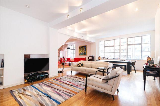 Thumbnail Flat to rent in St John Street, Clerkenwell, London