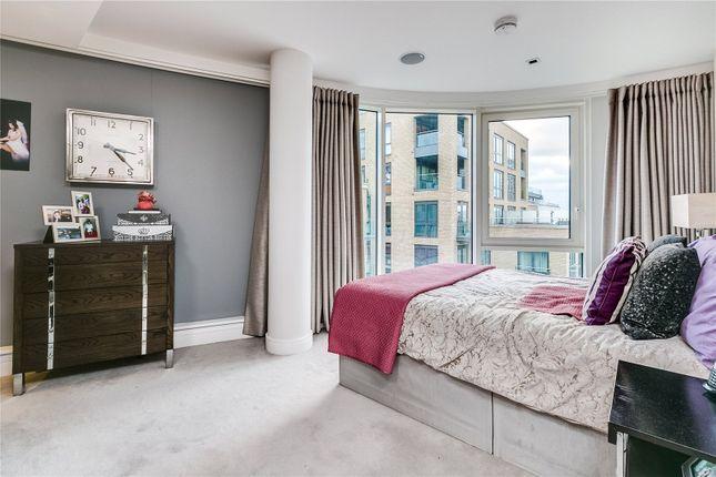 Bedroom of Kew Bridge Road, Brentford, Middlessex TW8