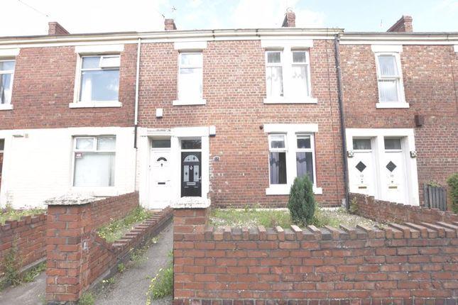 Thumbnail Flat for sale in Heaton Park Road, Heaton, Newcastle Upon Tyne