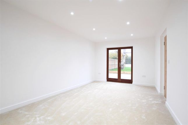 Family Room of Findon Road, Worthing, West Sussex BN14