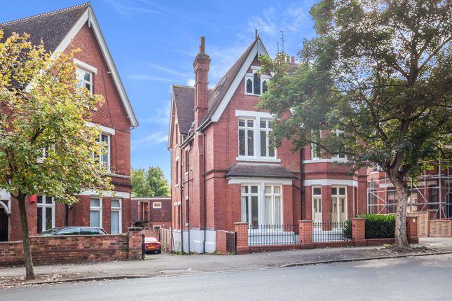3 bed flat for sale in Peveril Drive, Nottingham, Nottinghamshire NG7