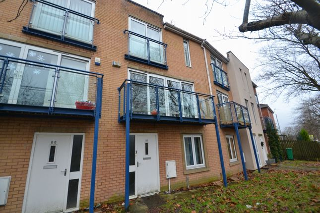 4 bed terraced house to rent in Royce Road, Hulme, Manchester M15