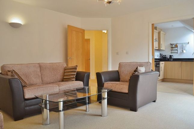Thumbnail Flat to rent in Augustine Way, Oxford