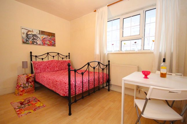 Thumbnail Flat to rent in Heston House, London