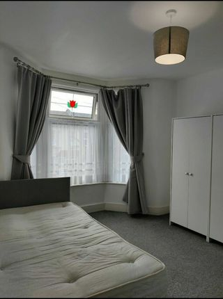 Room to rent in Holmwood Road, Ilford IG3