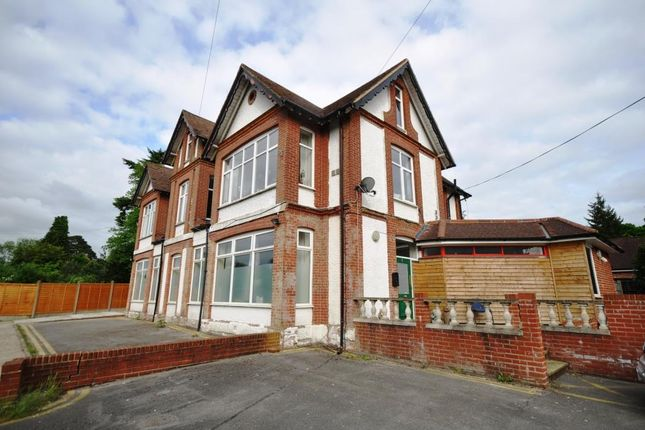 Thumbnail Flat to rent in The Martins, Portsmouth Road, Hindhead