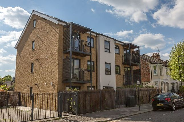 Thumbnail Flat to rent in Dunbar Road, London