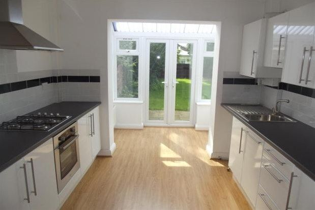 2 bed property to rent in New Road, Lymm WA13