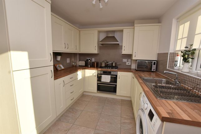 Kitchen Area of Welchman Close, Loughborough LE11