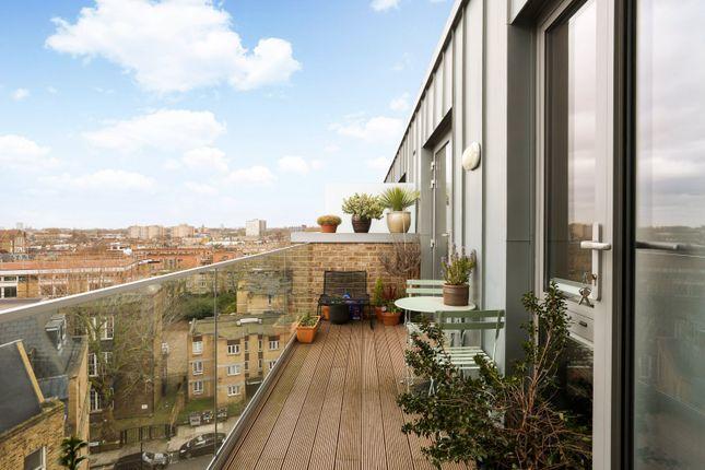 Balcony of Boleyn Road, London N16