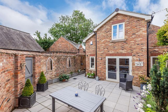 Thumbnail Detached house for sale in Grove Terrace Lane, York