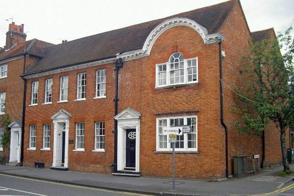 Office to let in Old Chambers, Farnham, Surrey
