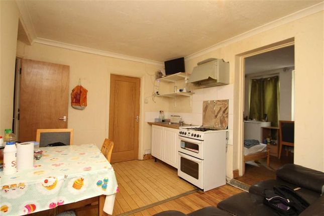 Thumbnail Semi-detached house to rent in Collingwood Road, Hillingdon, Middlesex