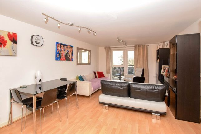 Picture No. 10 of Catalonia Apartments, Metropolitan Station Approach, Watford, Hertfordshire WD18
