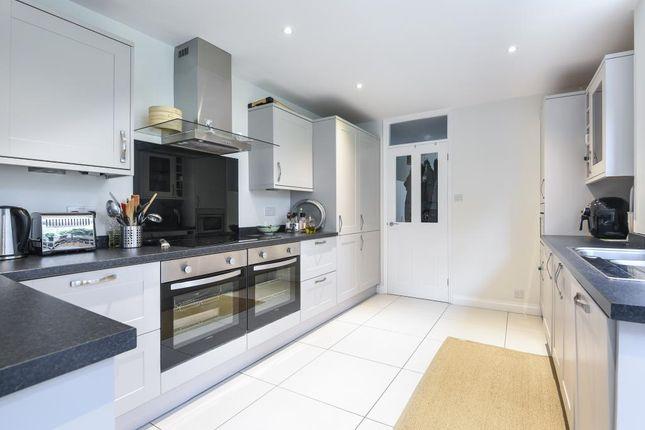4 bed detached house to rent in Windlesham, Surrey GU20