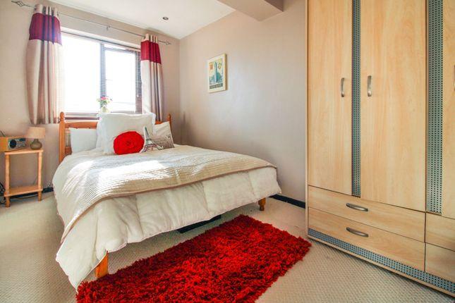 Master Bedroom of Alexander Close, Abingdon OX14