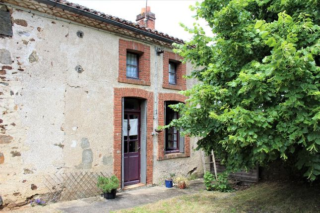 2 bed property for sale in Limousin, Haute-Vienne, Bussiere Poitevine