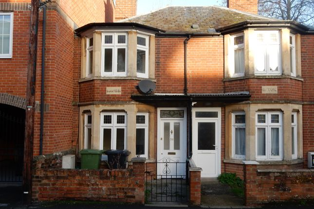 Thumbnail Detached house to rent in West Street, Newbury