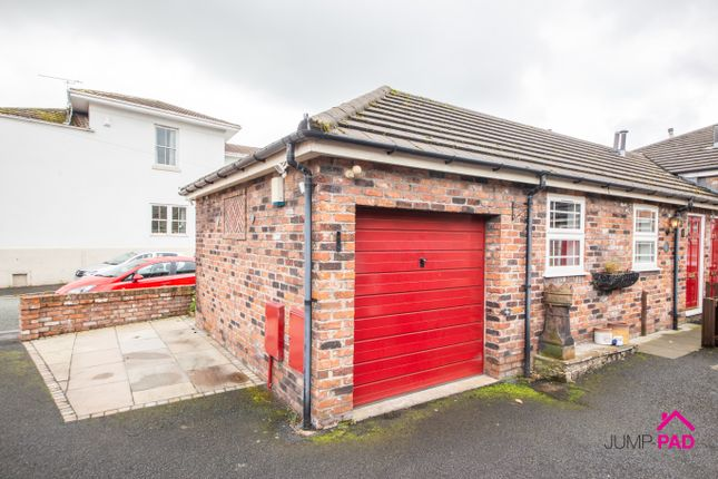 2 bed semi-detached bungalow to rent in Rob Lane, Newton-Le-Willows WA12