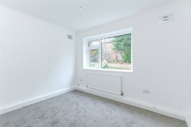 Picture No. 16 of Hewett Close, Stanmore HA7