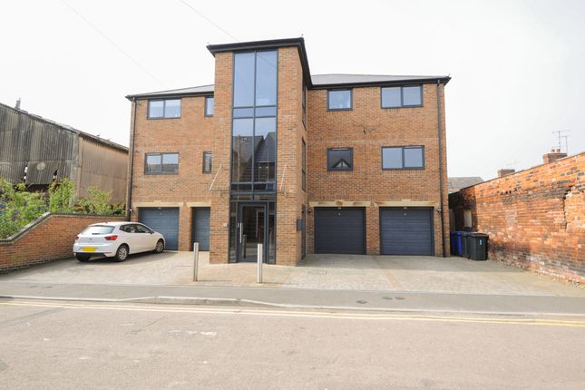 Thumbnail Flat for sale in Hipper Street West, Chesterfield