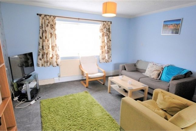 Thumbnail Terraced house to rent in Birch Grove, Slough, Berkshire