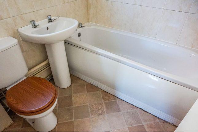 Bathroom of Steeping Drive, Immingham DN40