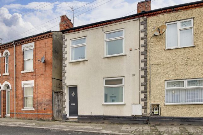 2 bed semi-detached house to rent in Manvers Street, Netherfield, Nottinghamshire NG4