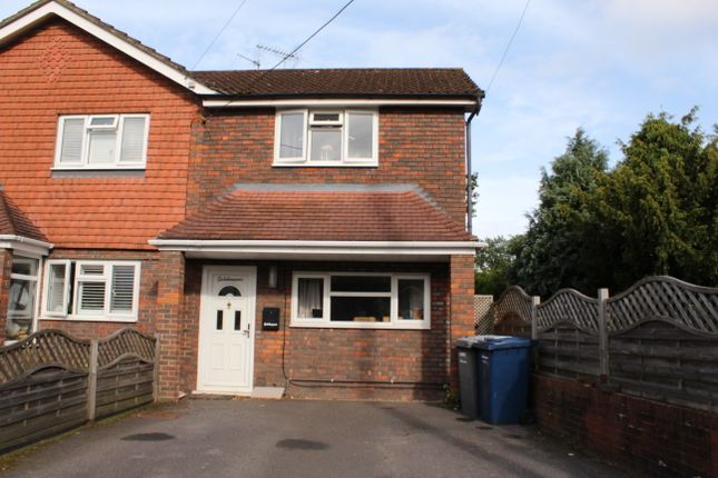 2 bed semi-detached house to rent in Woodside Road, Chiddingfold GU8