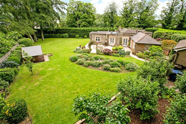Thumbnail Detached house for sale in Amersham Road, Chesham, Buckinghamshire
