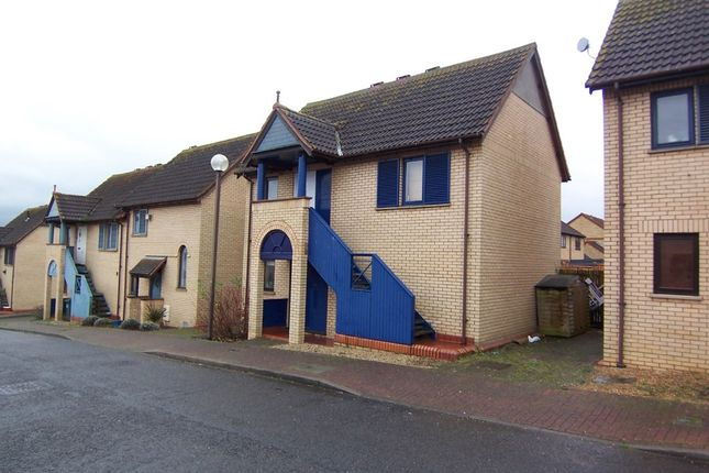 Thumbnail Maisonette to rent in Rockspray Grove, Walnut Tree, Milton Keynes