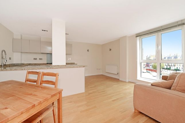 Thumbnail 2 bed flat to rent in Enfield Road, London