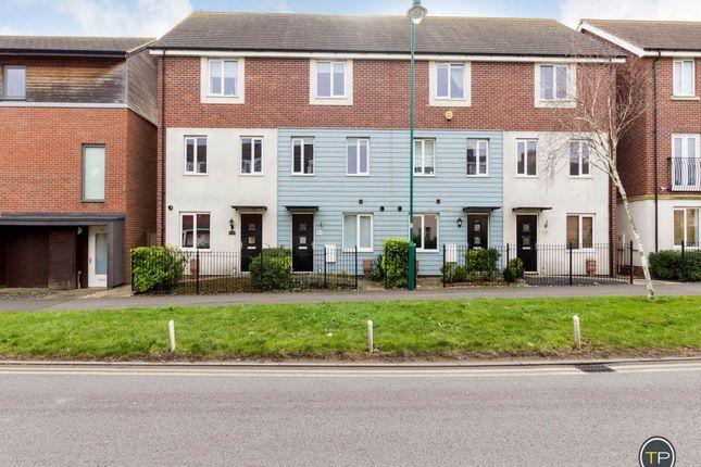 Thumbnail Town house to rent in West Lake Avenue, Hampton Vale, Peterborough