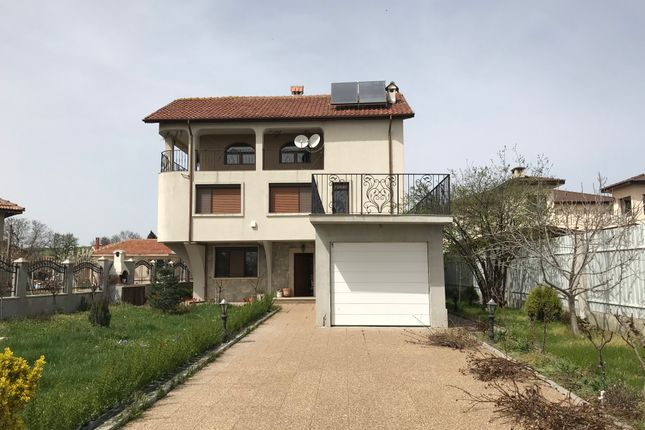 Thumbnail Villa for sale in Excellent New Spacious House, Каmenar, Bulgaria