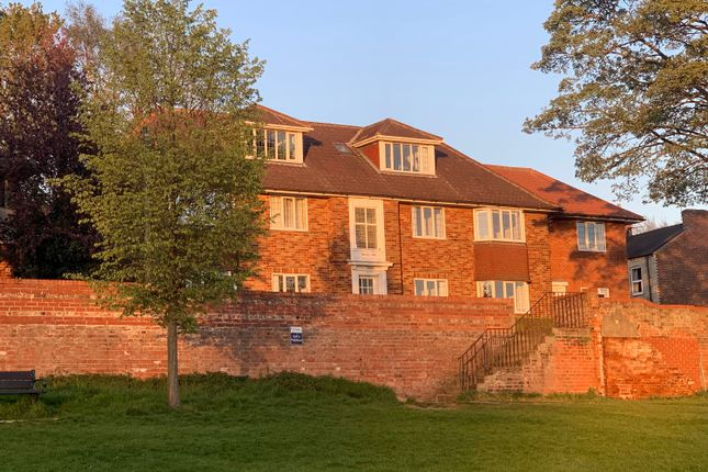 2 bed flat to rent in Albemarle Road, York YO23