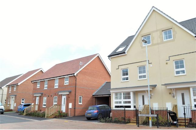 Thumbnail Semi-detached house for sale in Quicksilver Street, Worthing
