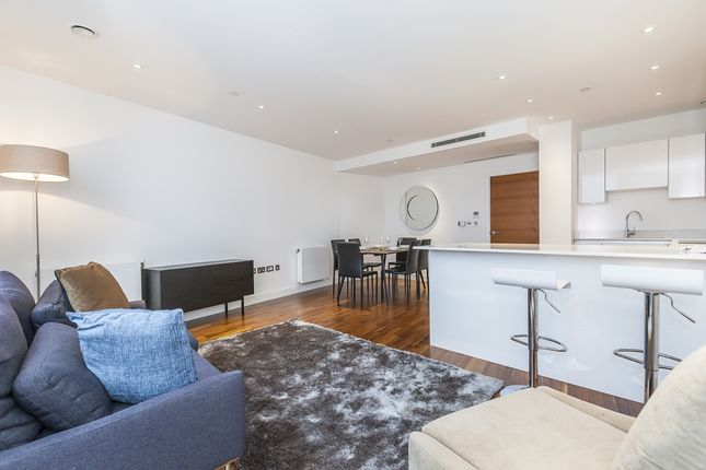3 bed flat to rent in John Donne Way, London